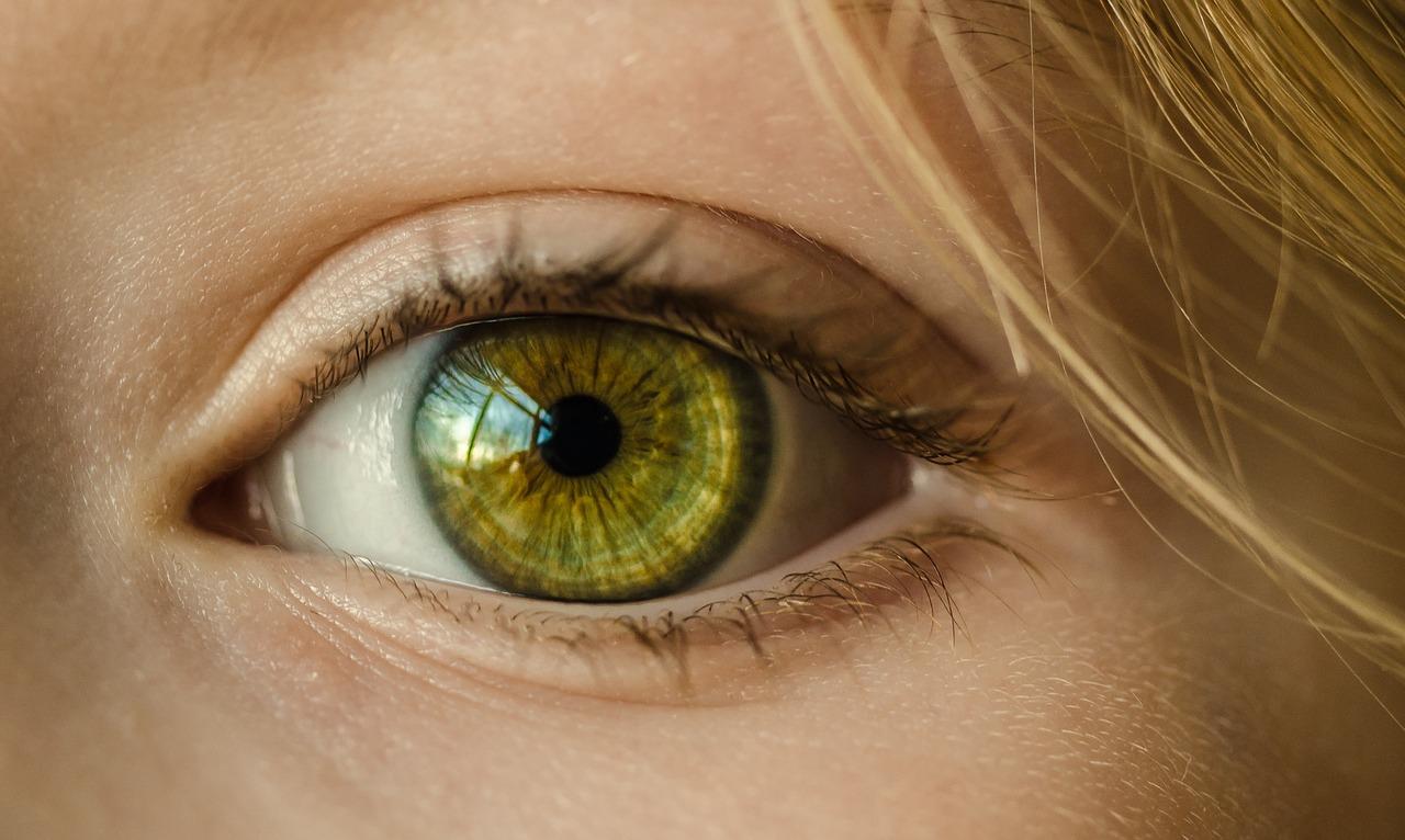 neovascularización del iris en diabetes