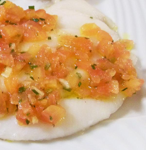Lenguado a la plancha con tomate fresco