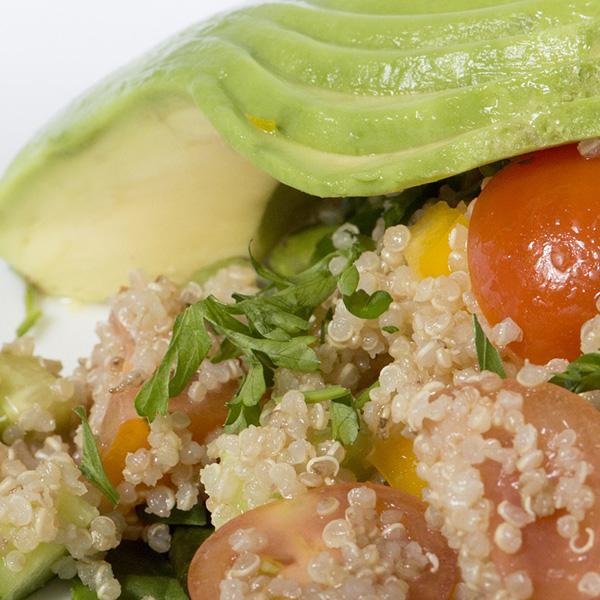 Receta por raciones: Ensalada variada con guarnición de taboulé de quinoa