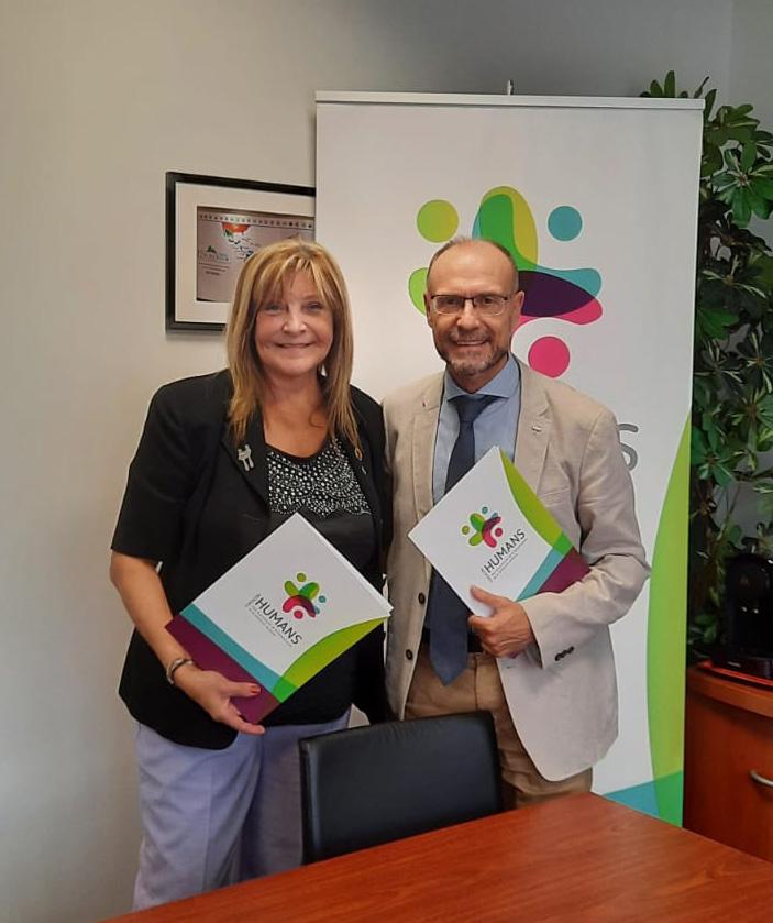 Pilar Martínez Gimeno, presidenta de ADM y Dr. Julio Zarco, presidente de la Fundación HUMANS